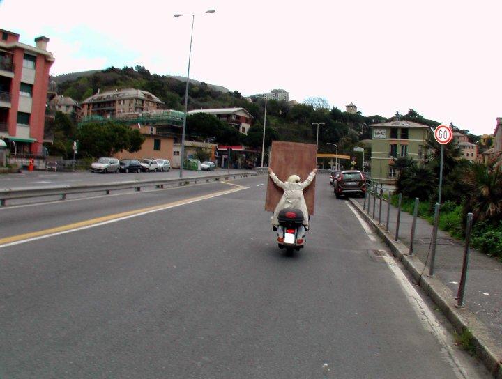 trasporto-in-vespa.jpg