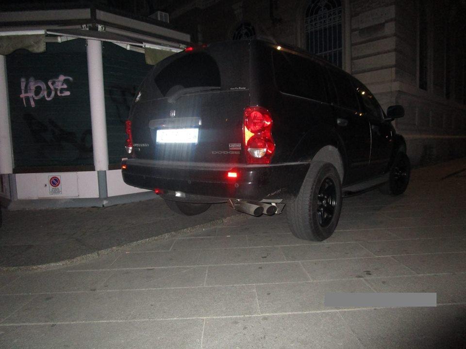 la macchina nera.jpg